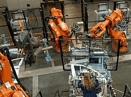 Former son personnel à l'utilisation des robots et de ses installations robotisées